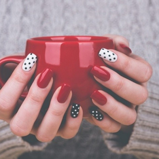 Manicure with lacquer