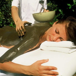Anti-cellulite massage with algae wrapping (60 min)
