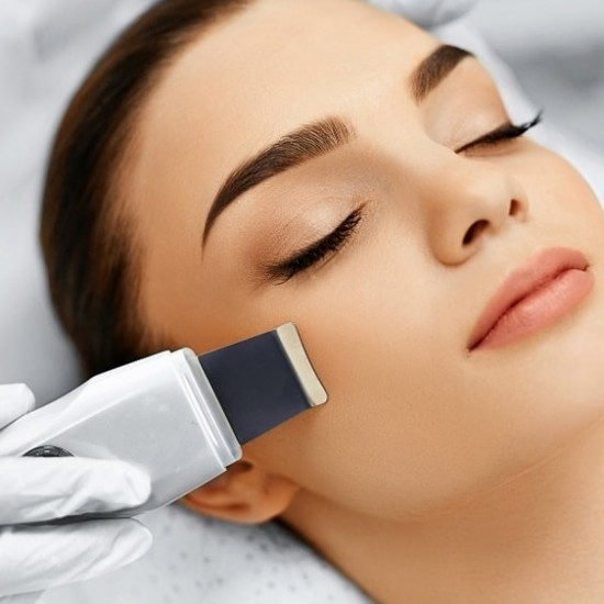 Ultrasonic face cleaning