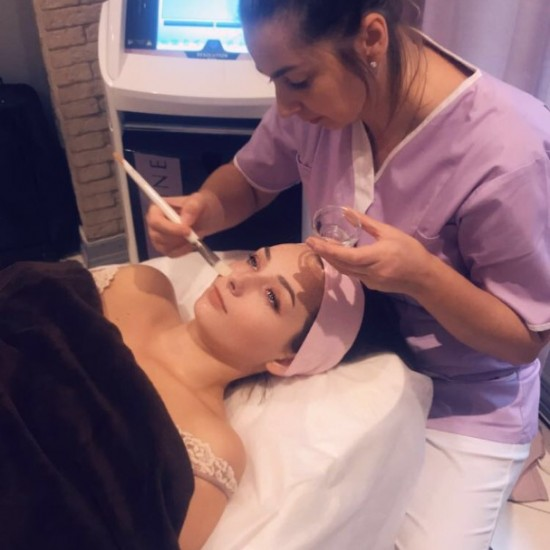 Microdermabrasion for face and neck (60 min)